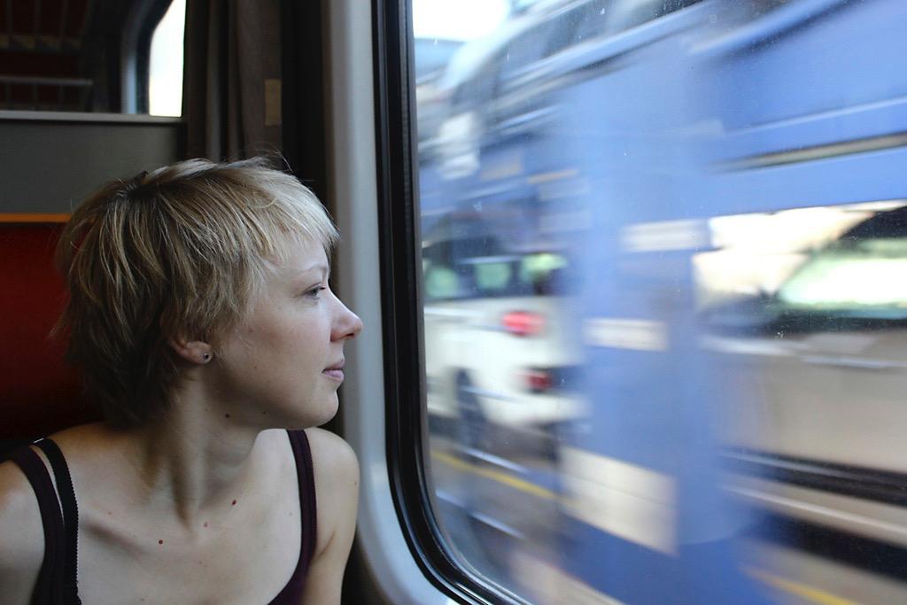 Reisen öffentliche Verkehrsmittel, Reise Zug, Geld Sparen beim Reisen