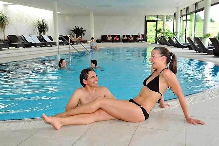 Aviva Hotel, Singlehotel, Schwimmbad